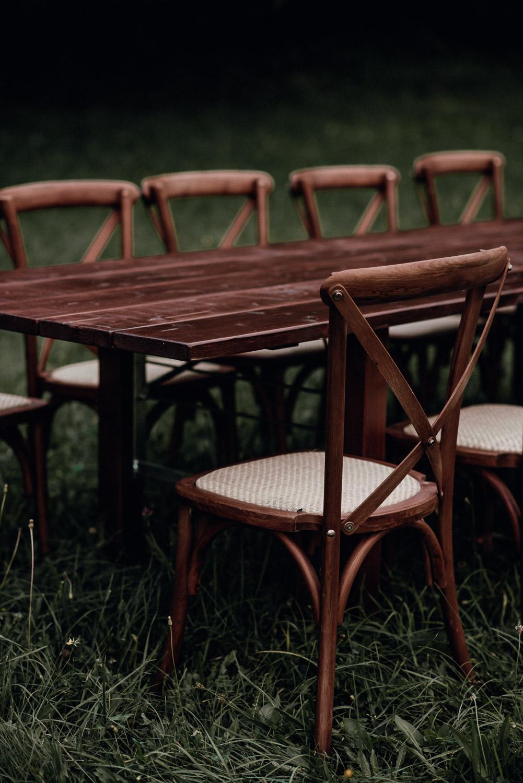 Cross Back Chairs mieten boho hochzeit